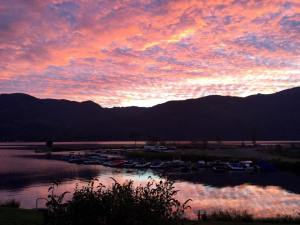 sunrise_kayak-swim-day
